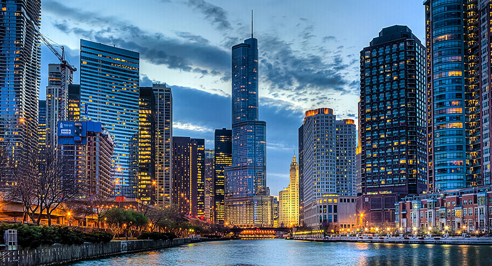 Chicago architecture and river